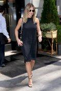 Jennifer Aniston (8)