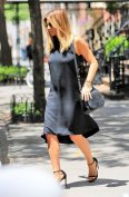 Jennifer Aniston (9)