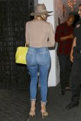 Khloe Kardashian (17)