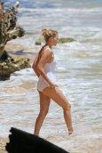 Margot Robbie (2)