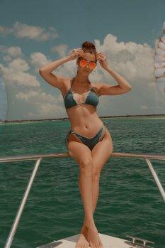 Kendall Kylie Hailey Bella (1)