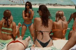 Kendall Kylie Hailey Bella (4)
