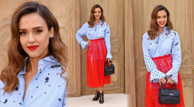 "Jessica Alba – ""Valentino"" Fashion Show in Paris"