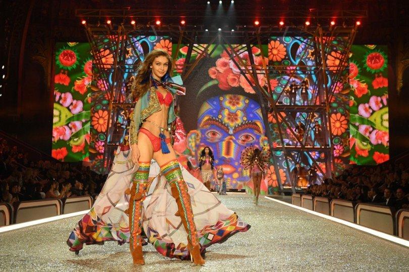 Gigi Hadid - 2016 Victoria's Secret Fashion Show in Paris