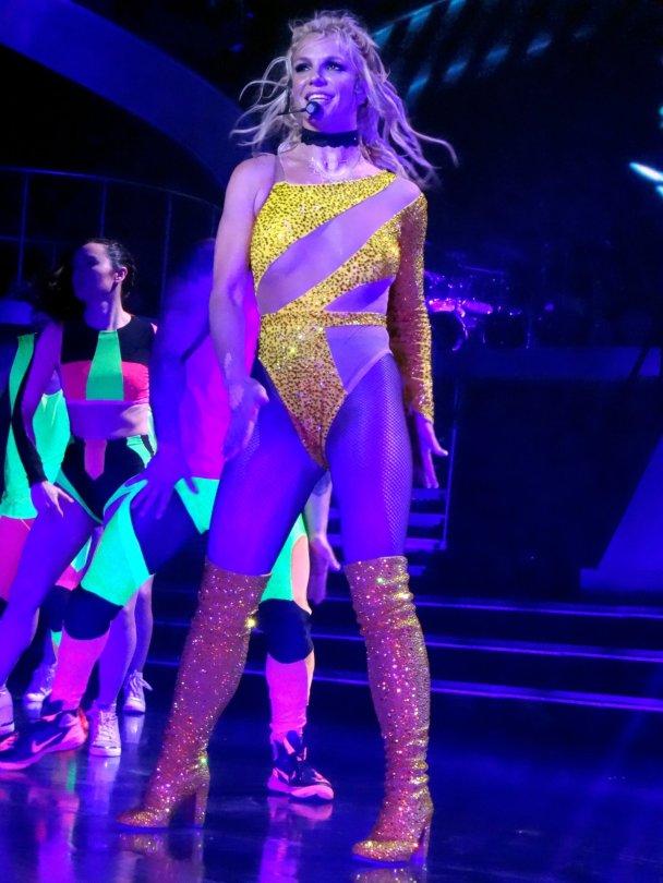 Britney Spears (19) | ...