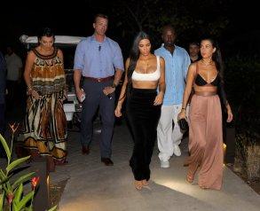 Kim Kourtney Kardashian (10)