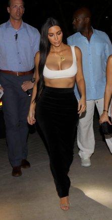 Kim Kourtney Kardashian (9)