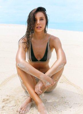 Alexis Ren (4)