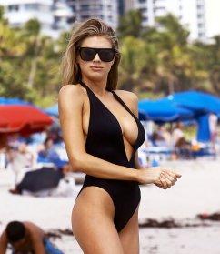 Charlotte McKinney (35)