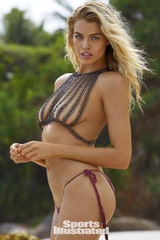 Hailey Clauson (44)