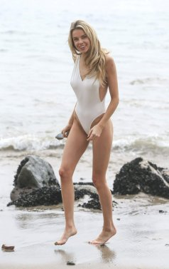 Louisa Warwick (28)