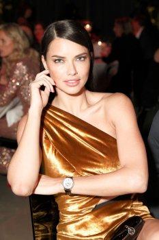 Adriana Lima (30)