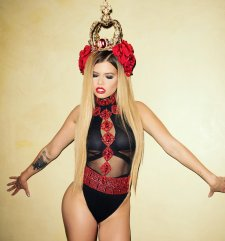 Chanel West Coast 001