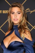 Kara Del Toro Boobs Legs