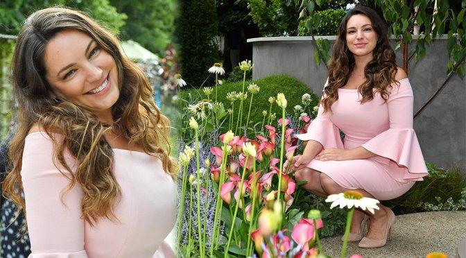 Kelly Brook – Hampton Cour Flower Show