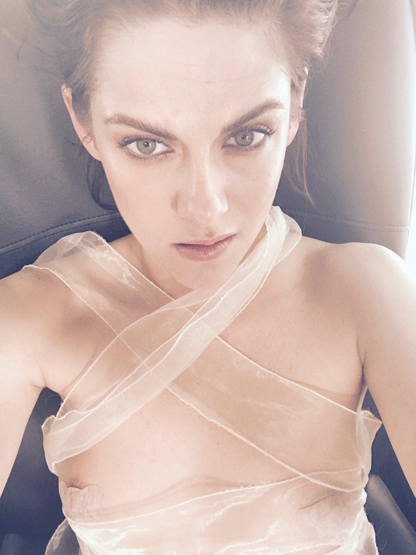 Kristen stewart leaked pics