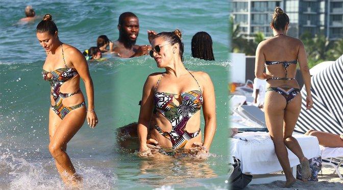 Lola Ponce – Bikini Candids in Miami