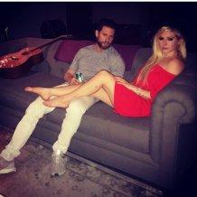 Avril Lavigne Legs