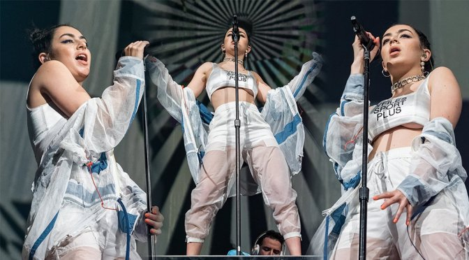 Charli XCX – Performs Live in Orlando