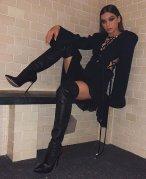 Hailee Steinfeld Sexy