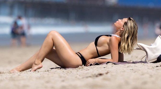 Ella Rose – Bikini Candids in Santa Monica
