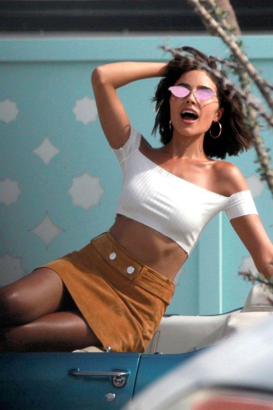 Olivia Culpo Leggy Photoshoot