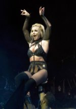 Britney Spears Sexy Body On Stage In Brighton ()