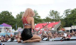 Pixie Lott Sexy On Stage In Brighton