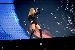 Taylor Swift Leggy On Stage In Toronto