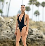 Dray Michele Hot Body In Sexy Swimsuit