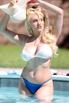 Courtney Stodden Big Boobs In Bikini