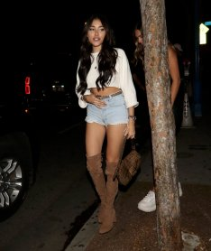 Madison Beer Sexy Legs