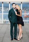 Peyton Roi List Sexy Legs In Black Dress