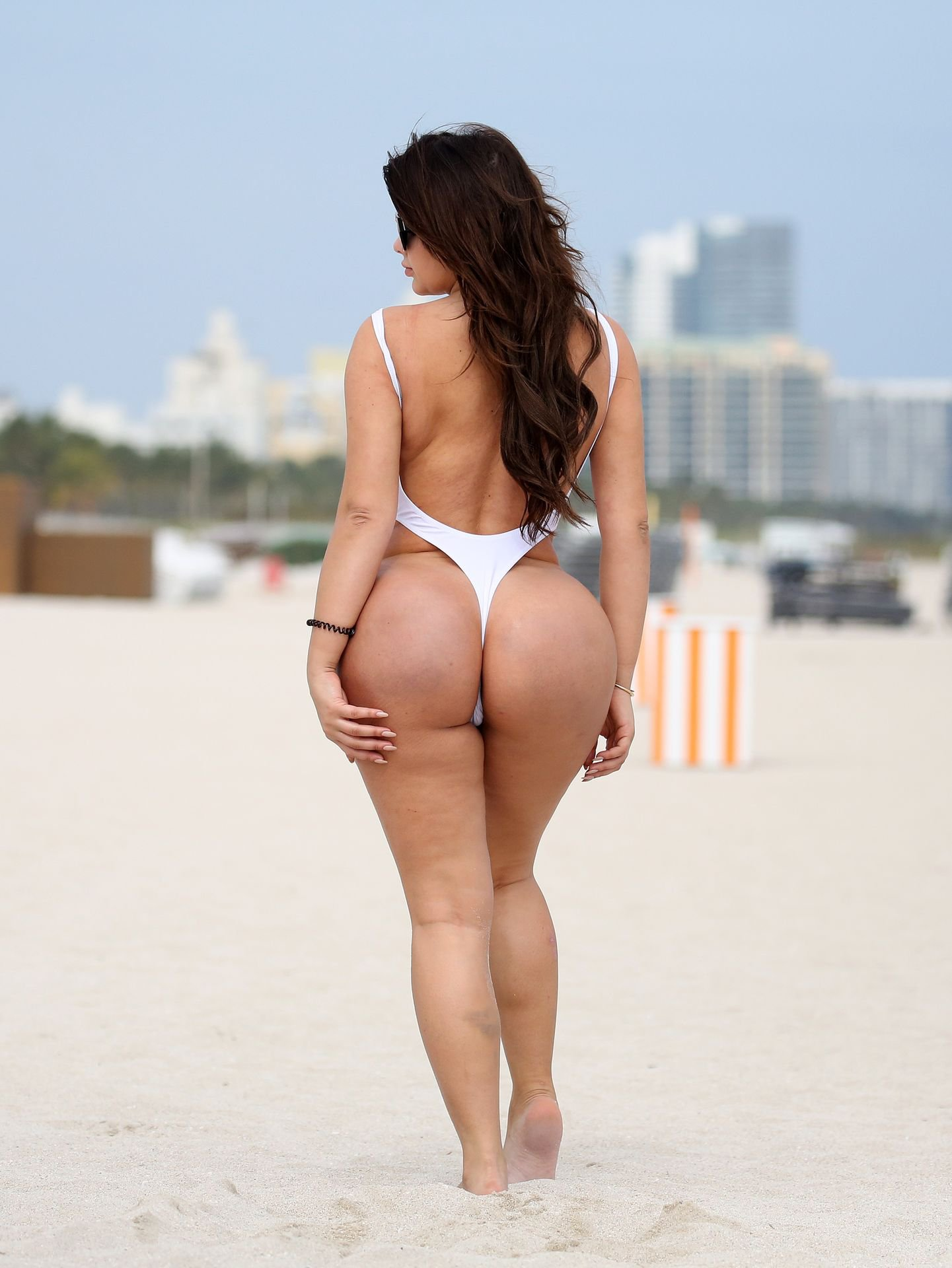 Anastasiya Kvitko – Bikini Photoshoot in Miami