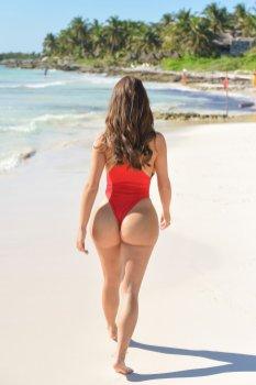 Demi Rose Mawby Sexy Curvy Body