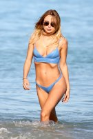 Kimberley Garner Hot Body In Tiny Bikini