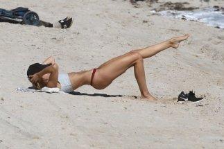 Kimberley Garner Sexy Workout