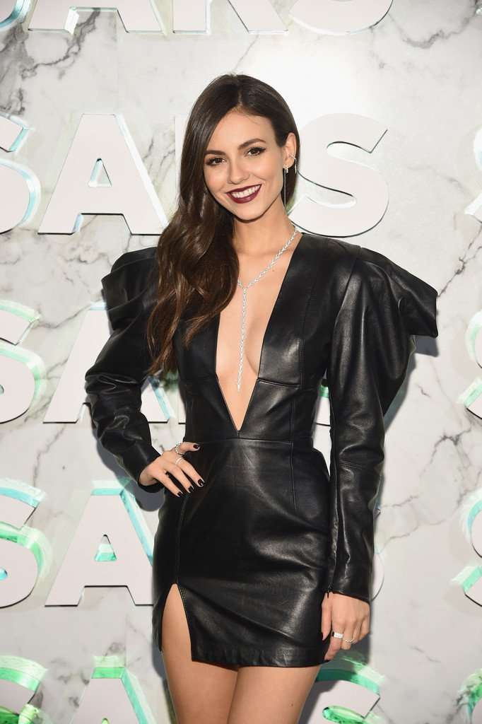 Victoria Justice Sexy Revealing Dress