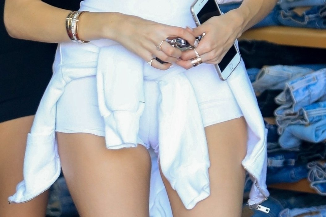 Madison Beer Hot Came Toe In White Shorts