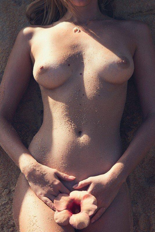 Marloes Horst Naked Photoshoot