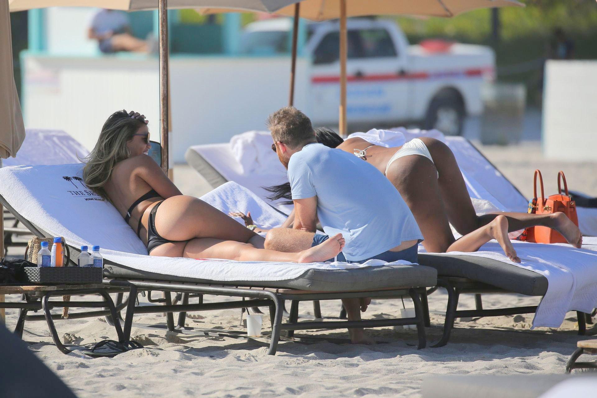 Jessica Ledon Sexy Body In Black Bikini