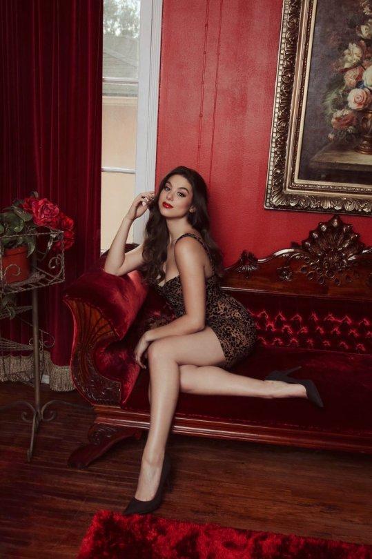 Kira Kosarin Sexy Legs And Boobs