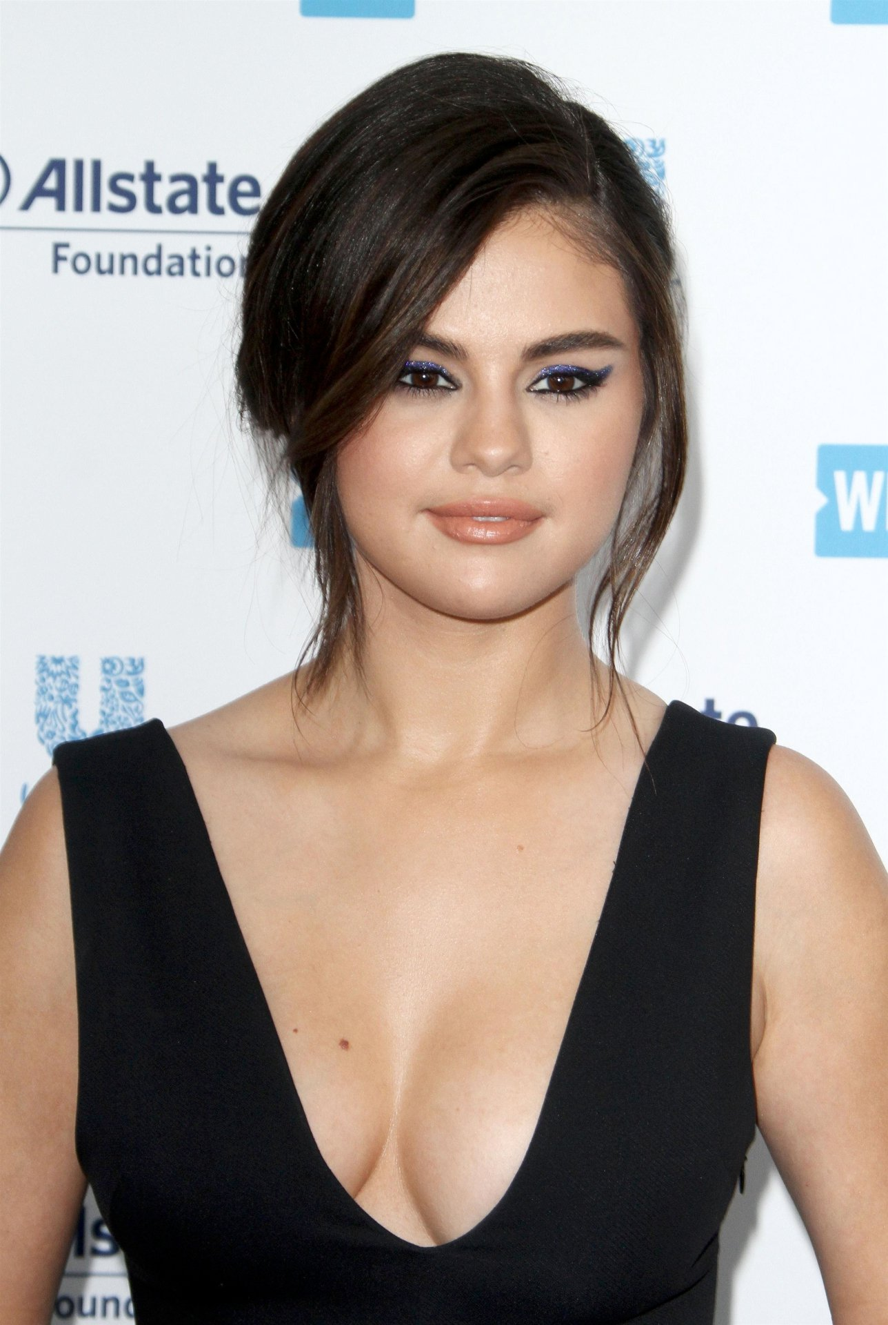 Selena Gomez - Sexy Big Cleavage at WE Day California 2019 in Inglewood - 1 : luvcelebs