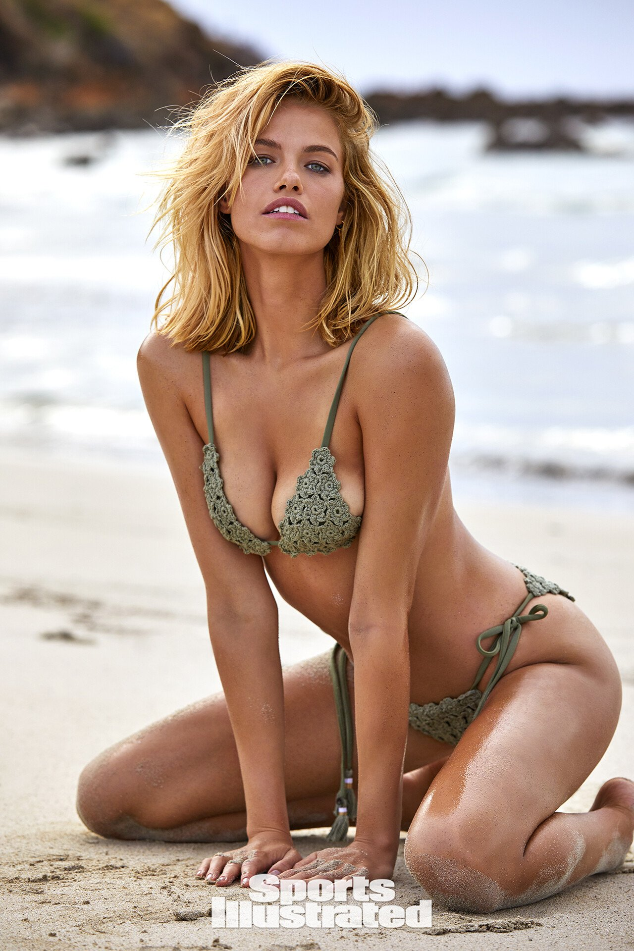 Фото Hailey Clauson в купальниках для Sports Illustrated