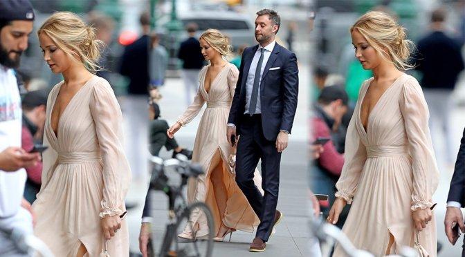Jennifer Lawrence – Sexy Braless Candids in New York
