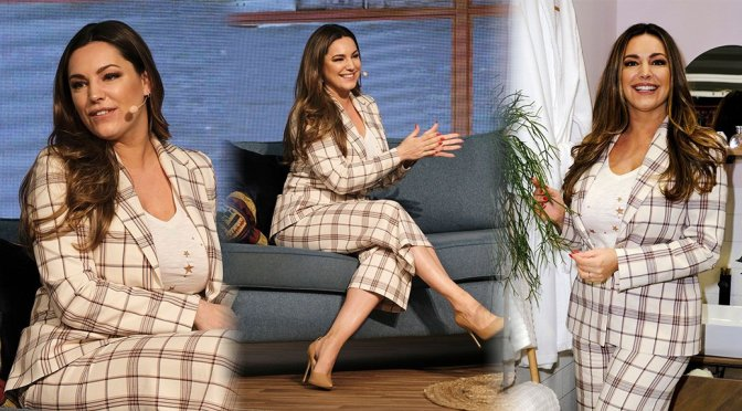 """Kelly Brook – """"This Morning Live"""" Show in Birmingham"""