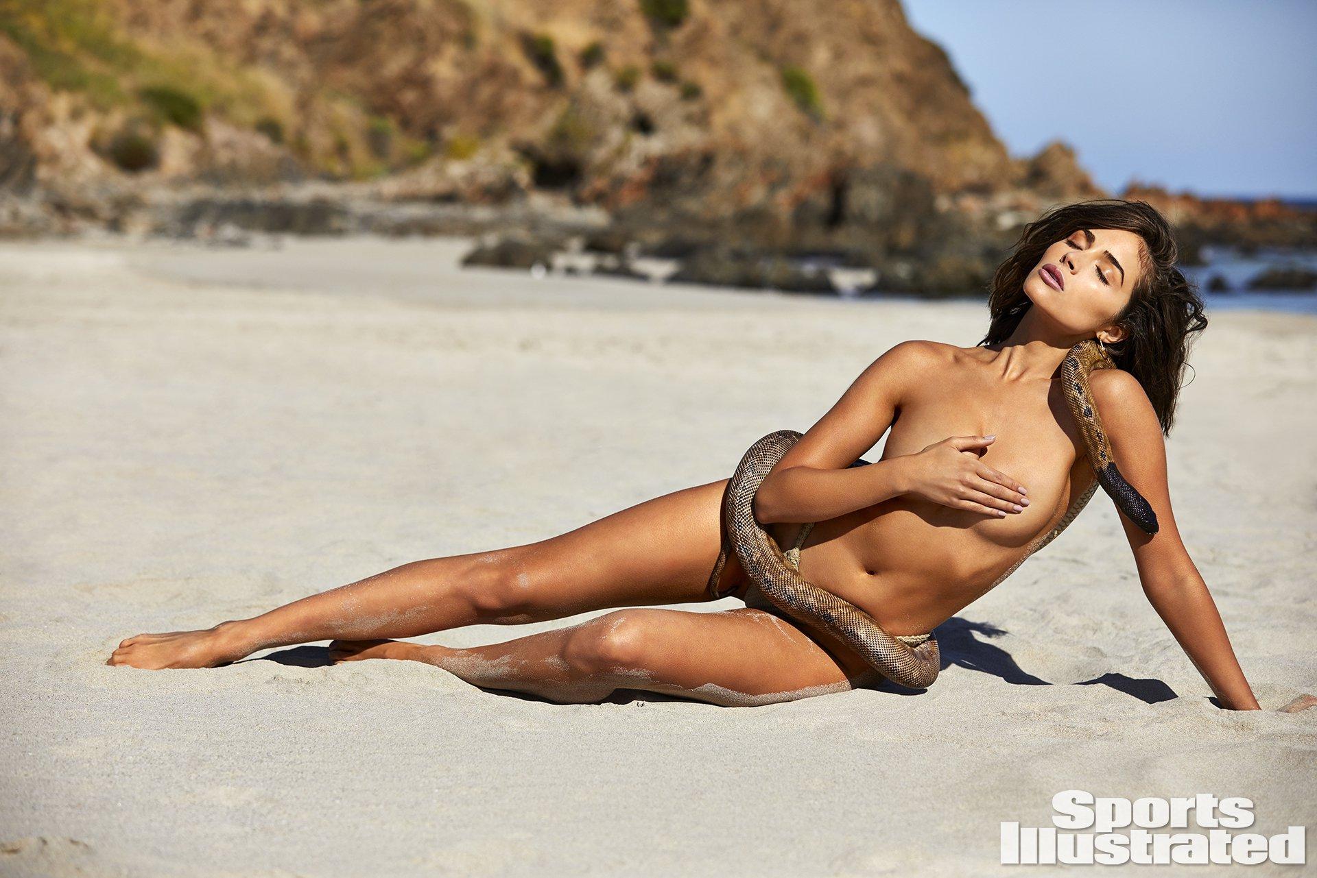 Olivia-Culpo-Hot-Naked-Photoshoot-34.jpg