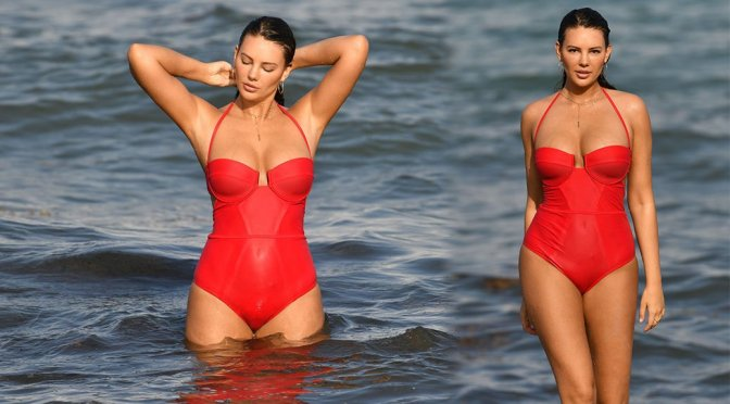 Zita Vass Hot Body And Camel Toe In Red Swimsuit
