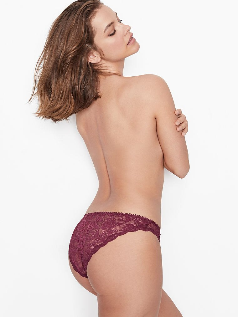 Barbara Palvin Sexy Ass
