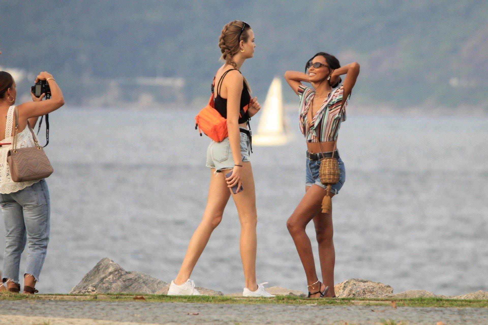 Josephine Skriver Jamsine Tookes Lais Riberio Sexy Photoshoot